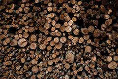 Ściana brogować drewno bele jako tło zdjęcia royalty free