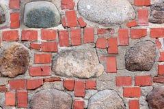Ściana cegły i kamienie Zdjęcia Stock