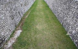 Ściana mężczyzna przykop jako ochrona antyczny średniowieczny v Obraz Stock