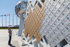 Ściana mistrzowie na których piszą wszystkie imionach zwycięzcy XXII Olimpijski i Paralympic gry w Sochi Olimpijskim parku zdjęcie royalty free