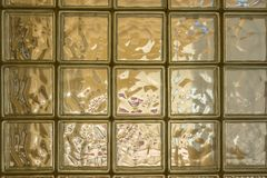 Ściana pomarańczowi półprzezroczyści szklani bloki zdjęcie royalty free