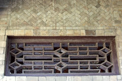 Ściana robić w chabecie i drewnianym okno obrazy royalty free