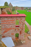 Ściana rujnująca I więźniarska skrzynka w Fortecznym Oreshek blisko Shlisselburg, Rosja Zdjęcia Stock
