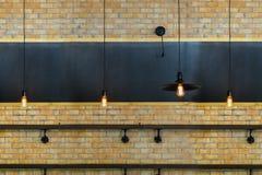 Ściana z cegieł i kredowa deska Zdjęcia Stock