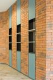 Ściana z cegieł z półką Obraz Royalty Free