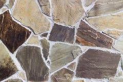 Ściana z irregularly kształtować brąz płytkami Obrazy Royalty Free