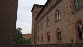 Ściany Castello Visconteo roszują w Pavia, PV, Włochy zbiory wideo