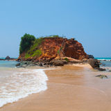Ścieżka przez piasek diun na plaży przy zmierzchem zdjęcie stock