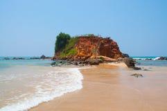 Ścieżka przez piasek diun na plaży przy zmierzchem obraz stock