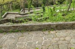 Ścieżki z schodkami w parku Zdjęcia Stock
