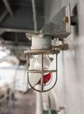 Ściennej lampy szczegół w kwadratowym składzie Fotografia Stock