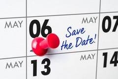 Ścienny kalendarz z czerwoną szpilką - Maj 06 Zdjęcia Stock