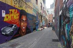 ŚCIENNYCH obrazów graffiti murales na miasto ulicach Melbourne AUSTRALIA, SIERPIEŃ - 15 2017 - obrazy royalty free