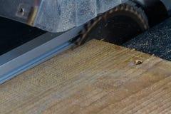 ściernego ostrza kółkowa tnąca talerzowa metalu saw praca zdjęcia stock