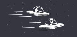 Ścigać się obcy i kosmita na fluing spodeczkach royalty ilustracja