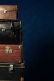 ścinku komputer wytwarzał wizerunek zawierać stare ścieżki sterty walizki Zdjęcie Royalty Free