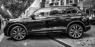 Ścisły skrzyżowanie SUV Volkswagen Tiguan, 2016 Zdjęcia Stock