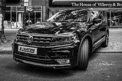 Ścisły skrzyżowanie SUV Volkswagen Tiguan, 2016 Zdjęcia Royalty Free