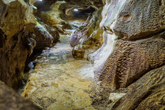 Ślad Wzdłuż rzeki Senbutsu jamy rzeka Senbutsu jama Zdjęcie Royalty Free