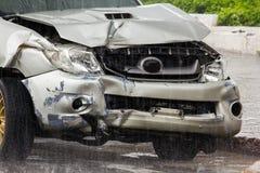 Ślada uszkadzający samochody w wypadku fotografia stock