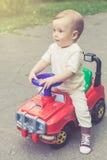 Śliczna chłopiec outdoors fotografia royalty free