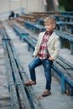 Śliczna chłopiec pozuje portret Obraz Stock