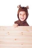 Śliczna chłopiec w niedźwiadkowym kostiumu Zdjęcie Royalty Free