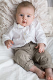 Śliczna chłopiec z dużymi niebieskimi oczami Obraz Royalty Free