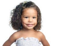 Śliczna mała afro amerykańska dziewczyna odizolowywająca na bielu Obraz Royalty Free