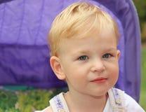 Śliczna mała dziewczynka Zdjęcia Royalty Free