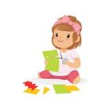Śliczna mała dziewczynka utting zastosowanie wyszczególnia, żartuje twórczość, edukację i rozwój dziecka, kolorowy charakter ilustracja wektor