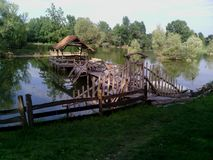 Śliczna mała kabina na jeziorze Fotografia Stock