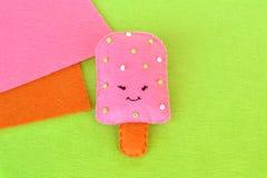 Śliczna odczuwana lody zabawka Odczuwany jedzenie wzór Rzemiosła czuli jedzenie Łatwi tkanin rzemiosła dla dzieciaków lato żartuj Zdjęcie Royalty Free