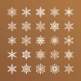 Śliczna płatek śniegu kolekcja odizolowywająca na złocistym tle Płaskie śnieżne ikony, śnieżna płatek sylwetka Ładny element dla Zdjęcia Stock