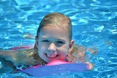 śliczna pływaczka Zdjęcia Royalty Free