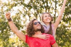 Śliczna para w parku Obraz Royalty Free