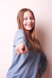 Śliczna uśmiechnięta nastoletnia dziewczyna obrazy stock