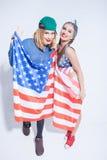 Śliczne młode Amerykańskie kobiety wyrażają patriotyzm zdjęcie stock