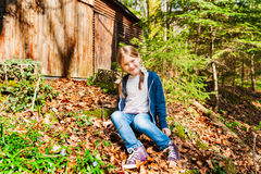 ślicznej dziewczyny mały plenerowy portret Zdjęcia Stock