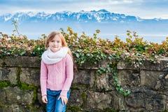 ślicznej dziewczyny mały plenerowy portret Fotografia Stock
