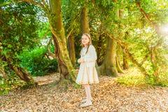 ślicznej dziewczyny mały plenerowy portret Obraz Stock