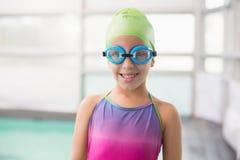 Ślicznej małej dziewczynki trwanie poolside Obrazy Royalty Free