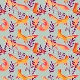 Śliczni pomarańczowi czerwoni lisy w ciemnej purpurowej lasowej akwareli bezszwowym wzorze na szarość zielenieją tło Kreskówka pr ilustracja wektor