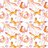 Śliczni pomarańczowi czerwoni lisy w różowej lasowej akwareli bezszwowym wzorze na białym tle Kreskówka lisów prosty bawić się royalty ilustracja
