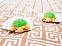 Śliczny żółw Kształtujący tort Fotografia Royalty Free