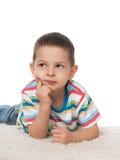 Śliczny chłopiec odpoczywać Zdjęcia Royalty Free
