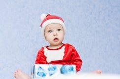 Śliczny chłopiec Santa pomagier Zdjęcia Stock
