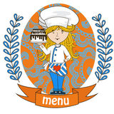 Śliczny dziewczyna szefa kuchni kucharz z wyśmienicie tortem na tacy menu Zdjęcia Stock