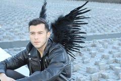 Śliczny etniczny anioł z czarnymi skrzydłami zdjęcia royalty free
