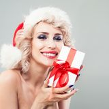 Śliczny kobiety mody model z blondynka Falistym włosy Fotografia Stock